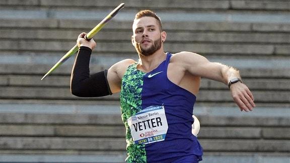 Johannes Vetter beim Speerwurf.