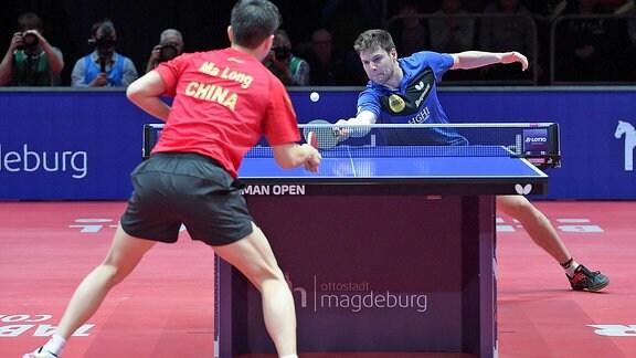 Dimitrij Ovtcharov gegen Ma Long