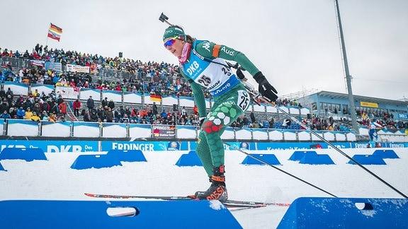 Lisa Vittozzi (ITA) gewinnt Sprint in Oberhof