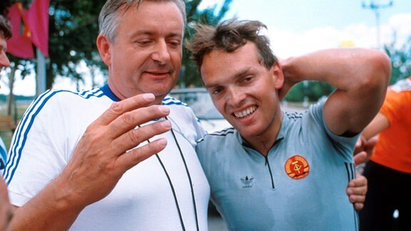 Trainer Wolfram Lindner (re.) und Olaf Ludwig 1988