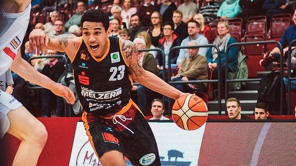 Basketball-Bilder Kavin Gilder-Tilbury