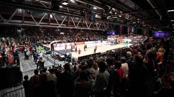 Blick in die Messe Chemnitz während des Spiels Niners Chemnitz - Tigers Tübingen