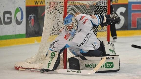 Goalie Florian Proske  1, Dresden, Lausitzer Füchse Weißwasser gegen Dresdner Eislöwen