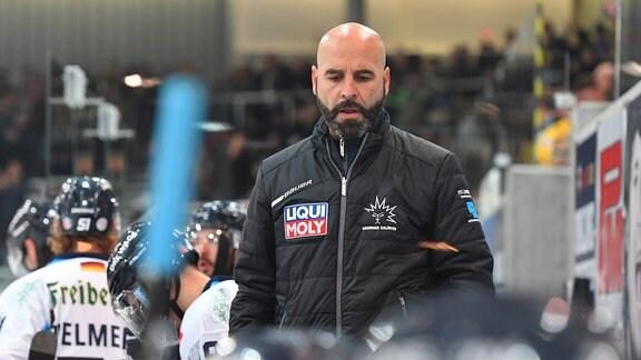 Trainer Rico Rossi Dresden, Lausitzer Füchse Weißwasser gegen Dresdner Eislöwen