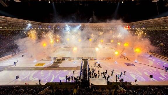 Eishockey, DEL 2, Saison 2015/2016, Winterderby, Dresdner Eislöwen - Lausitzer Füchse, Samstag (09.01.2016). ܜbersicht von oben.