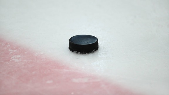 Puck auf dem Eis