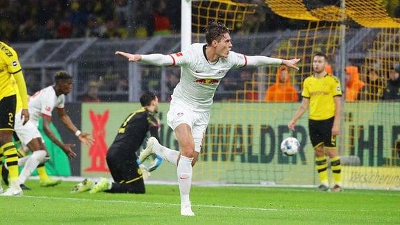 Tor für RB Leipzig zum 3:3. Im Bild v.l.: Torschütze Patrick Schick (21, RB Leipzig)
