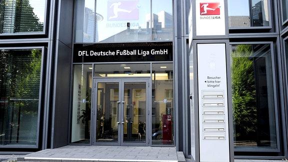 Eingangsportal der DFL in Frankfurt