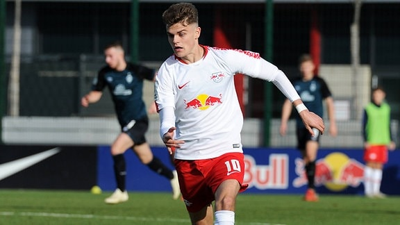 Fabrice Hartmann (RBL) am Ball