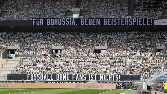 Fan Protest im Borussia Parks Spruchband: Für Borussia. Gegen Geisterspiele