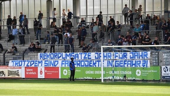 Transparent der Fans von Babelsberg, sie bangen um den Erhalt der Fanprojekte