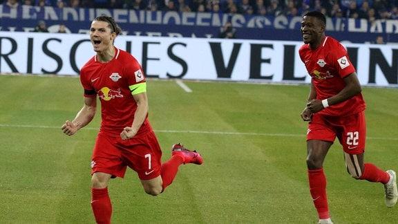 Marcel Sabitzer RB Leipzig freut sich über sein Tor zum 0:1.