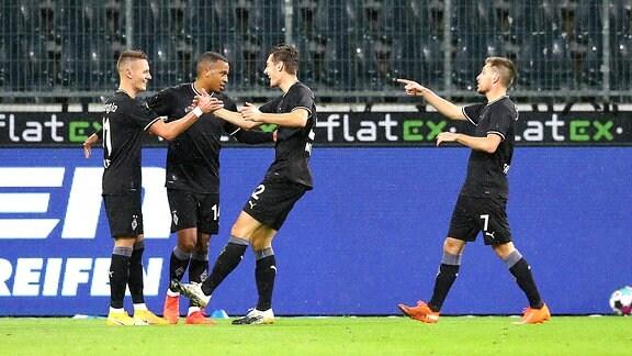 Die Spieler von Mönchengladbach jubeln