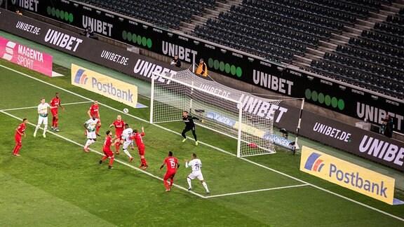 Geisterspiel Borussia Mönchengladbach gegen 1. FC Köln