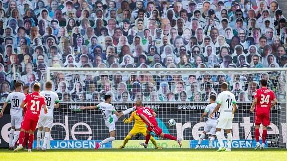 Borussia Moenchengladbach - Union Berlin, 31.05.2020 Sebastian Andersson Union Berlin, mi., erzielt den Treffer zum 2:1