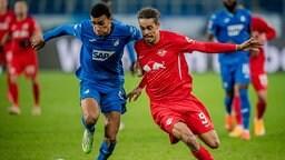 Leipzigs Yussuf Poulsen rot gegen Hoffenheims Kevin Akpoguma