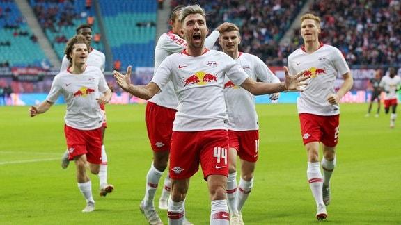 RB Leipzig Torjubel nach dem 1:0 durch Kevin Kampl