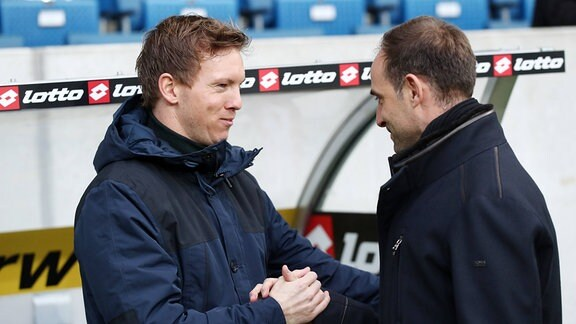 Trainer Julian Nagelsmann und Oliver Mintzlaff