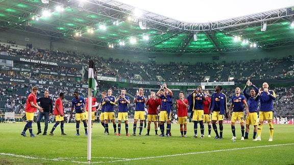 Die Mannschaft von RB Leipzig beim Schlussjubel