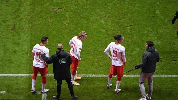Dreifach-Wechsel Willi Orban, Emil Forsberg, Yussuf Poulsen.