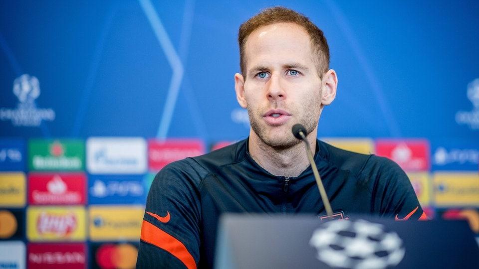Fußball: Torwart Gulacsi verlängert bei RB Leipzig - Dortmund schaut in die Röhre | MDR.DE