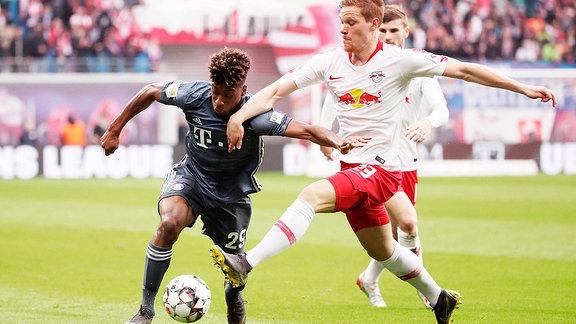 Kingsley Coman (29,Bayern) und Marcel Halstenberg (23, RB Leipzig)