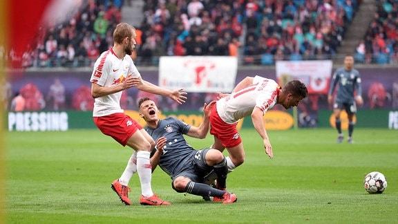 Konrad Laimer (27, RB Leipzig), Joshua Kimmich (32,Bayern) und Diego Demme (31, RB Leipzig)