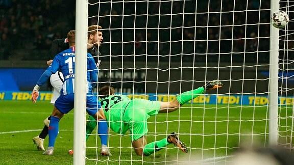Maximilian Mittelstädt, Timo Werner Kopfballtor zum 1:0, Torwart Rune Jarstein