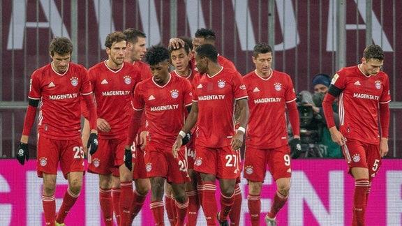 Spieler des FC Bayern auf dem Spielfeld