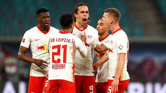 RB Leipzig vs. VfL Borussia Mönchengladbach - Tor für Leipzig, Torjubel nach dem 2:2 Ausgleich durch Yussuf Poulsen (9, RB Leipzig)