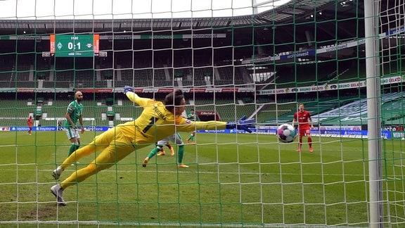 Alexander Sørloth (RB Leipzig 19) trifft zum 0:2