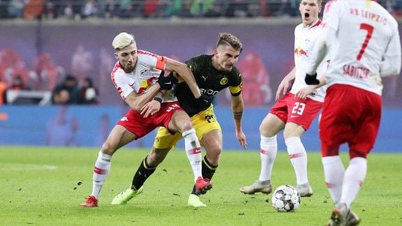 Kevin Kampl (44, RB Leipzig) und Maximilian Philipp (20, Dortmund).