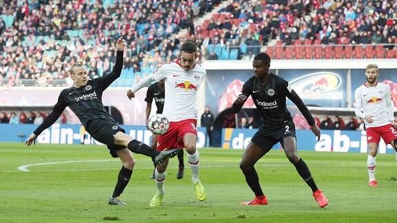 Sebastian Rode (17, Frankfurt), Yussuf Poulsen (9, RB Leipzig) und Evan NDicka (2, Frankfurt).