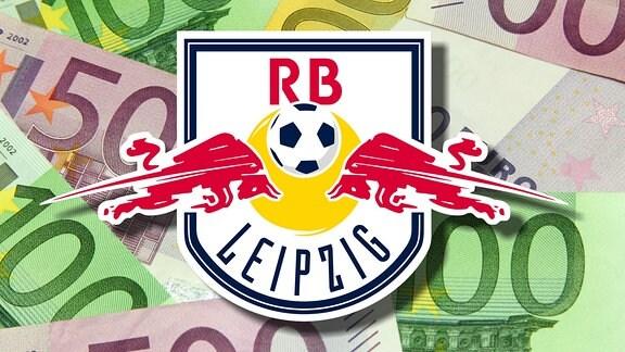 Stapel aus Euro-Geldscheinen hinter Logo von RB Leipzig