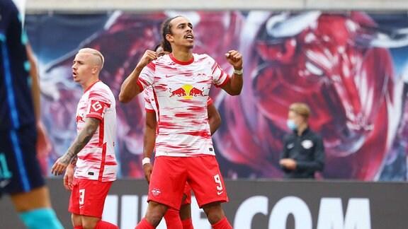 Torschütze Yussuf Poulsen 9, RB Leipzig bejubelt seinen Treffer zum 2:0.