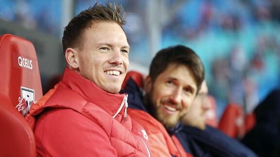 Trainer Julian Nagelsmann (RB Leipzig) und Benjamin Glück (RB Videoanalyst).