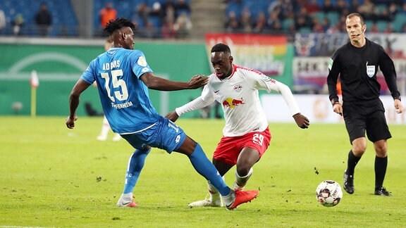 Im Bild von links - Kasim Adams (15, Hoffenheim) und Jean-Kevin Augustin (29, RB Leipzig).
