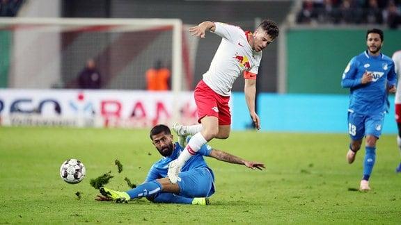 Im Bild von vorn - Diego Demme (31, RB Leipzig) und Kerem Demirbay (10, Hoffenheim).