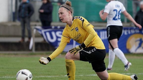 Sarah Hornschuch am Ball