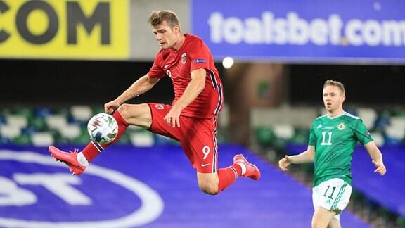 Alexander Sörloth in Aktion, für die norwegische Nationalmannschaft