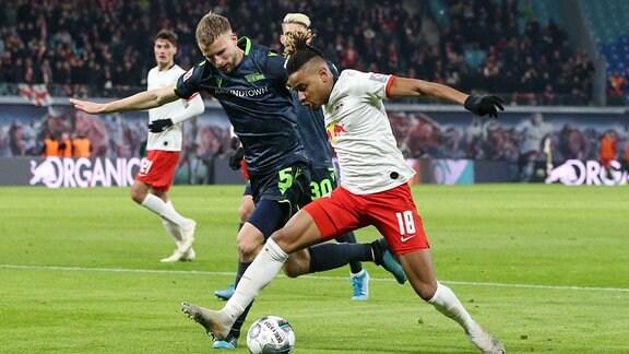 Christopher Nkunku RB Leipzig gegen Marvin Friedrich 1. FC Union Berlin