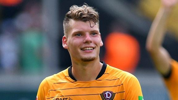 Kevin Ehlers (Dynamo Dresden), beim Einlaufen