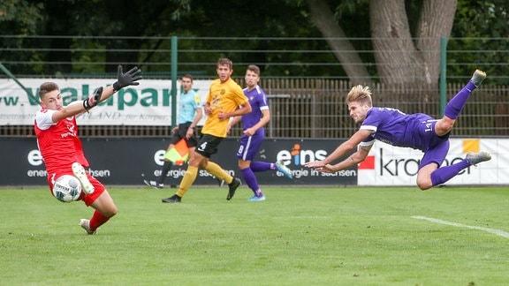 Philipp Zulechner trifft per Kopf für Aue gegen Auerbach