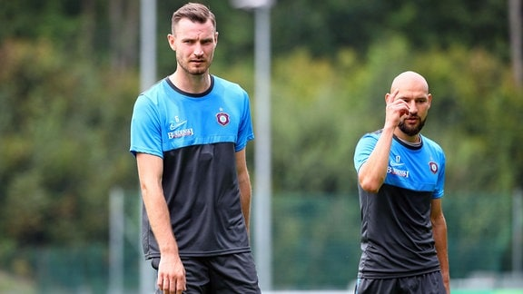 Florian Ballas 6, Aue und Philipp Riese 17, Aue beim Training