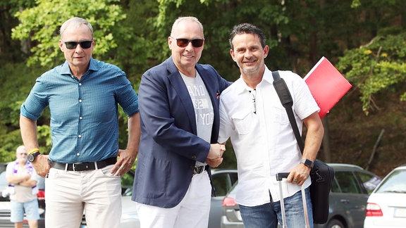 Aufsichtsratsmitglied Uwe Leonhardt, Präsident Helge Leonhardt, Chefcoach Dirk Schuster.