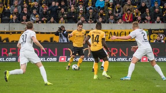Spielsituation der Begegnung Dynamo Dresden gegen SV Sandhausen