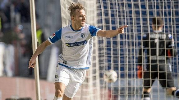 Magdeburgs Felix Lohkemper jubelt nach seinem Tor zum 0:2.