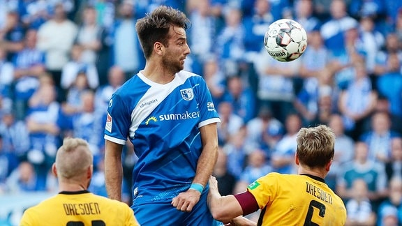 Christian Beck (Magdeburg, 11) Kopfball