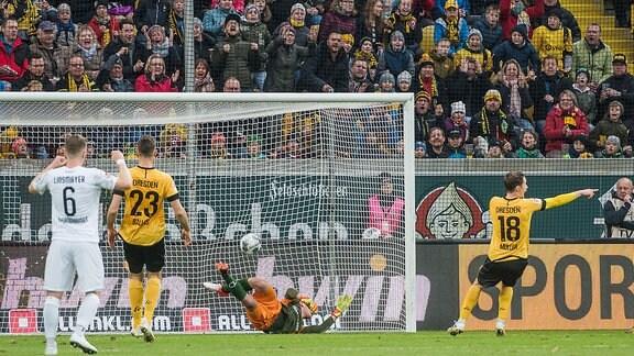 Sandhausen erzielt den Ausgleich zum 1:1 SG Dynamo Dresden - SV Sandhausen