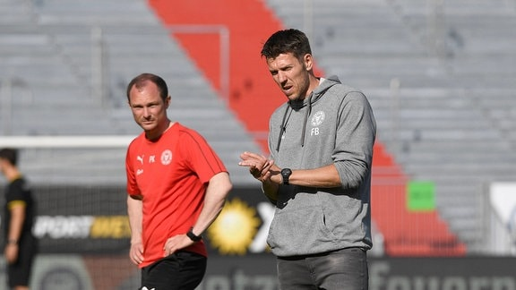 KSV-Co-Trainer Fabian Boll rechts mit KSV-Co-Trainer Patrick Kohlmann